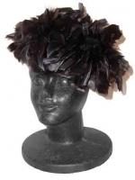00763フェザードール/羽根の帽子