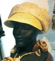 4月帽子教室/N様作 刺繍生地のキャスケット