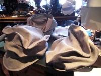DeDe 帽子製作中